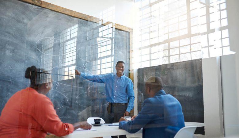 Desafios na gestão de empresas familiares.